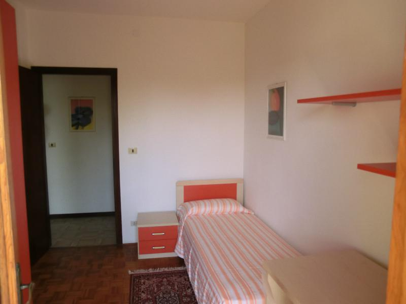 Casa di Marta, Portogruaro - Prima stanza, first singleroom, primera habitación, erste Zimmer